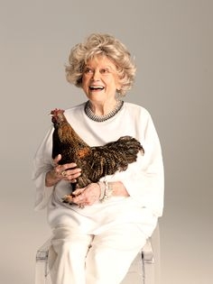 Hollywood Remembers Phyllis Diller: 'She Was a Pioneer'