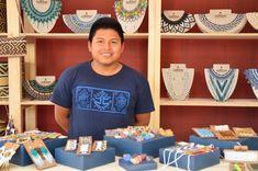 """Recorre el """"Mercado Artesanal de El Claustro"""" y redescubre por qué nuestro país, es una fuente inagotable de riqueza creativa. Food, Wealth, Creativity, Meal, Essen, Hoods, Meals, Eten"""