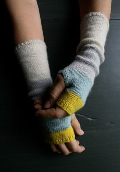 Whit's Knits: Colorblock Hand Warmers - The Purl Bee - Knitting Crochet Sewing Embroidery Crafts Patterns and Ideas!