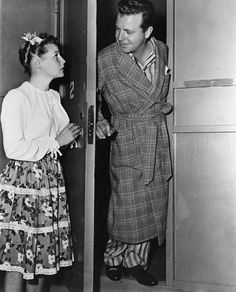 June Allyson and Dick Powell.