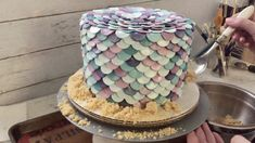 mermaid cake tutorial - robyn loves cake Cake Tutorial, Photo Tutorial, Modeling Chocolate Recipes, Gold Luster Dust, Petal Dust, Beautiful Mermaid, Mermaid Cakes, Lollipop Sticks, Graham Cracker Crumbs