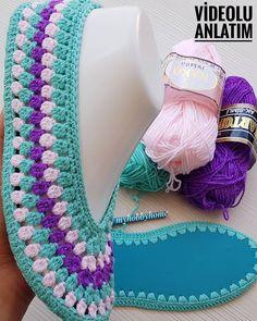 Renk renk babetlerin demo sürümüyle karşınızdayız 😄😄😄 diğer eşlerini henüz örmedim 🙈🙈🙈 renk kombinasyonu - Salvabrani Crochet Bolero Pattern, Crochet Slipper Pattern, Crochet Mask, Crochet Ripple, Crochet Stitches, Crochet Patterns, Crochet Slipper Boots, Crochet Baby Boots, Knitted Slippers
