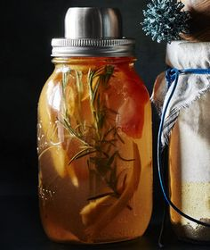 Homemade Rosemary, Ginger & Grapefruit Syrup for a punchy drink with soda. To make an old fashioned, use ounce syrup, 3 dashes bitters, 2 ounces bourbon and 1 tablespoon club soda. Grapefruit Syrup Recipe, Grapefruit Zest, Pickle Vodka, Edible Gifts, Simple Syrup, Food Gifts, Recipe Collection, Recipe Using, Pickles
