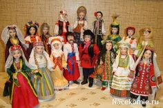 Слева направо задний ряд:Грузия,Украина,Туркмения,Белоруссия,Россия,Молдавия, Казахстан,Латвия,Азербайджан. Передний ряд:Армения,Эстония,Киргизия,Украина,Россия,Узбекистан, Литва,Таджикистан.