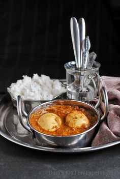 Second recipe of this week is from Chettinadu Cuisine which I have tried it from Nalini's Kitchen . Few weeks before, during my ...