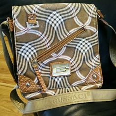 Beautiful Italian Crossbody By Gussaci