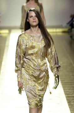 Laura Biagiotti S/S 2001 RTW Milán