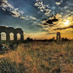 feel like in a film...  #kubrigram #roma #rome #parcodegliacquedotti #nottouristy #travel #gezi #dagtasbayir #gezelim #history #byzantine #sunset #sunsetlovers #clouds #cloudstagram #photo #seyahat #TTourglobe #igerroma #igeritalia #grass