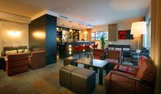 le bar lounge  et son salon @banyanhotel  www.banyan-hotel.com 0479040444 4 Star Hotels, Best Hotels, Style Asiatique, Bar Lounge, Luxury Holidays, Car Parking, Hotel Offers, Housekeeping, Wi Fi