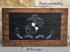 United States Marine Corps Flag-USMC-Pallet Board-Military- Wall Art-Rustic Barnwood Decor-Man Cave-Flags-Shabby-Reclaimed Wood-Hand Painted by CurlicueAndVine on Etsy Barn Wood Decor, Barn Wood Crafts, Horse Head, Horse Art, Man Cave Flags, Sally Skellington, Nursery Themes, Marine Corps, Nightmare Before Christmas