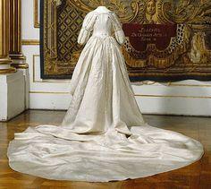 Abito da cerimonia appartenuto alla regina Frederica di Baden