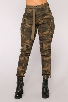 Available In Yellow Camo , Olive Camo , And Pink CamoStretch CottonTwillHigh WaistJogger PantsBeltHigh Waisted - Cargo Pants - Camo Pants - Camouflage inseam. Cute Comfy Outfits, Stylish Outfits, Jogger Pants, Joggers, Cargo Pants, Camo Pants Outfit, Apple Shape Fashion, Camouflage Jeans, Fashion Nova Models