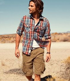 I like the colors of the shirt and shorts.  I like that the shorts are loose fitting.