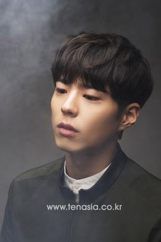 Park Bo Gum 박보검 朴寶劍 パク・ボゴム ♥ Upcoming Album: Blue Bird, Upcoming Movie: Seo Bok, Upcoming Drama: Record of Youth Korean Celebrities, Korean Actors, Celebs, Kim Yoo Jung Park Bo Gum, Korean Men Hairstyle, Asian Male Model, Male Models, Korean Face, Asian Hair