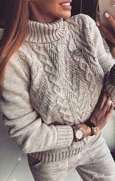 20 most fashionable sweaters - knitting patterns Cable Knitting Patterns, Knitting Designs, Knit Patterns, Crochet Scarves, Knit Crochet, Fall Fashion Outfits, Style Fashion, Fashion Design, Cable Knit Sweaters