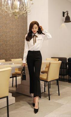 Korean Fashion – How to Dress up Korean Style – Designer Fashion Tips Korean Beauty Girls, Korean Girl Fashion, Korean Fashion Trends, Classy Outfits, Trendy Outfits, Modest Fashion, Fashion Outfits, Women's Fashion, Look Formal