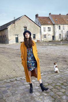 buy online 791bb f8b1f Carlito - Manteau en drap de laine safran - Whamy - Robe en voile de soie  imprime - Socks - Chaussettes en laine forêt - Tina - Boots en cuir noir -  Jackson ...