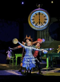 """Great Cast, Stunning Tech Work Make """"Alice In Wonderland"""" Work At ..."""