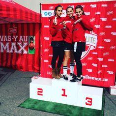 Les filles de Ahuntsic fières de représenter leurs couleurs! #GOMAX #RSEQnoussommes1 #soccer #ahuntsic #chocomax #RSEQ