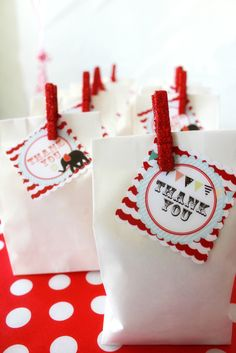 Favors at a Circus Party #circus #partyfavors