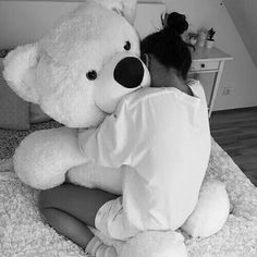 awesome bed black and white boyfriend comfy cute filter gift girl girly Girly, Bear Tumblr, Teenager Mode, Giant Teddy Bear, Teddy Bears, Big Bear, Cute Relationships, Relationship Goals