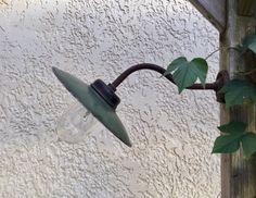 Stallamp, wandlamp, schotellamp, industrieel uit Frankrijk Garden Trowel, Garden Tools, Shovel, Dustpan, Yard Tools