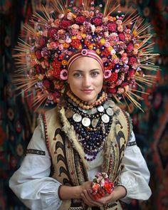 Beautiful Hutsul bridal headdress from the Carpathian village of Kornych, West Ucraine, made by copying old photographs.  Вбрання нареченоі з села Корнич, Коломийського району.
