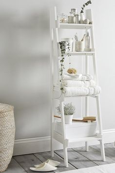 Bathroom Lacquer Ladder Shelf, White - The White Company Bathroom Storage Ladder, Ladder Shelf Decor, Bathroom Organisation, Ladder Shelves, White Ladder Shelf, White Bathroom Storage Cabinet, Bathroom Shelf Unit, Ladder Display, Ladder Chair