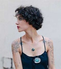 Popular short wavy hairstyles & short hairstyles for wavy hair Short Wavy Haircuts, Popular Short Hairstyles, Thin Hairstyles, Haircut Short, Short Thin Hair, Very Short Hair, Curly Short, Short Bobs, Medium Curly