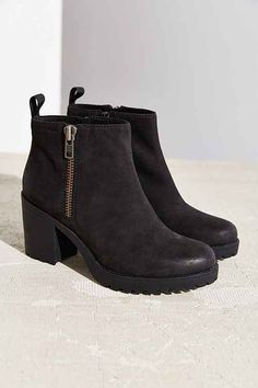 Shop women's shoes at Urban Outfitters. We have the latest trends in shoe fashion, and carry your favorite brands like Jeffrey Campbell, Sam Edelman and more. Source by aubri_falco wedges Moccasin Boots, Bootie Boots, Shoe Boots, Sock Shoes, Trendy Shoes, Cute Shoes, Vagabond Shoes, Shoes With Jeans, Womens Shoes Wedges