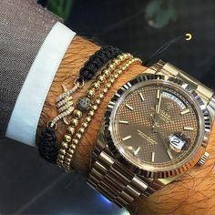 Rolex Daydate rose gold 40mm✖️ ‼️Double tap if you like it ‼️ #jewelry #rolex #money #lifestyle #success #millionaire #billionaire #luxury #rich #gold #watch #wristgame #dreambig Elegant Watches, Beautiful Watches, Cool Watches, Rolex Watches, Rolex Day Date, Expensive Watches, Luxury Watches For Men, Quartz Watch, Bracelets For Men