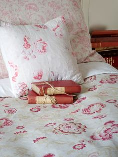 Cabbages & Roses Elgin Raspberry Linen Bedding