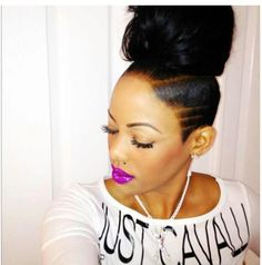 Side shave with top bun! Undercut Hairstyles, Weave Hairstyles, Girl Hairstyles, Protective Hairstyles, Relaxed Hairstyles, Short Undercut, Hairdos, Updos, Curly Hair Styles