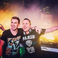 Hardwell and Tiesto   ONE OF MY FAVORITE PICTURES!!!!!!