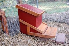 Plans for this automatic Chicken Feeder- keeps the feed clean and other birds from coming in and eating your chicken's feed