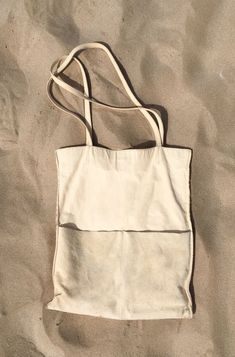Sensual Delight in white sun sand sea and some wind, natural vegtanned eco-leath… Sensual Delight in white sun sand sea and some wind, natural vegtanned eco-leather tote bag Hobo Purses, Jean Purses, Diy Sac, Suede Handbags, Linen Bag, Fabric Bags, Cotton Bag, Mode Outfits, Cloth Bags