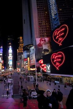 S[edition] brought Tracy Emin's digital signage to more than 15 of New York City's biggest digital screens during the month of February. http://bigpicture.net/content/explorer-april