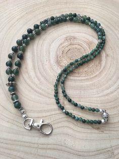 Green and Silver Beaded Lanyard / Badge Holder / ID Holder / Teacher Lanyard Diy Jewelry, Jewelry Accessories, Unique Jewelry, Beaded Shoes, Beaded Lanyards, Beaded Necklaces, Bead Crochet, Badge Holders, Collar
