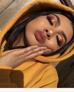 Gold eye makeup looks, party makeup looks for tan skin, makeup looks for poc, Glam Makeup, Makeup On Fleek, Makeup Inspo, Makeup Inspiration, Makeup Style, Sleek Makeup, Insta Baddie Makeup, Makeup Blog, Flawless Makeup