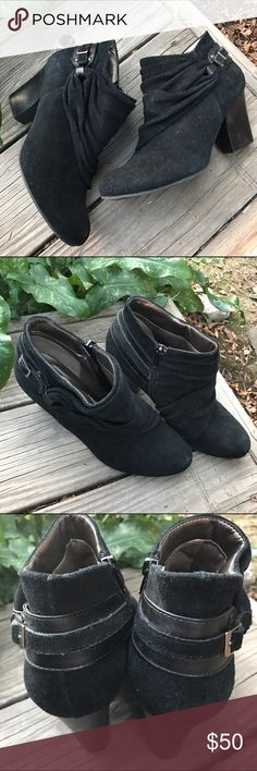 Andrew Geller Booties! Sz 8 Andrew Geller Booties!•gently used pre-worn condition Andrew Geller Shoes Ankle Boots & Booties