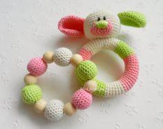 Baby-Rassel-SET von 2 häkeln Baby Spielzeug greifen Zahnen Spielzeug Hund Beißring gefüllte Spielzeug Geschenk für Baby Girls Boys Rassel