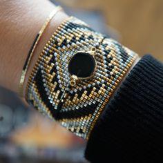 Joyas srtesanales Bead Loom Bracelets, Beaded Bracelet Patterns, Jewelry Patterns, Seed Bead Jewelry, Beaded Jewelry, Handmade Bracelets, Handmade Jewelry, Summer Bracelets, Wire Wrapped Earrings