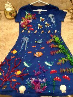 Under the sea costume. – Michaela Bittner Under the sea costume. Under the sea costume. Adult Mermaid Costume, Mermaid Halloween Costumes, Halloween Costume Contest, Fish Costume, Star Costume, Beach Costume, Sea Creature Costume, Under The Sea Costumes, Addams Family Costumes