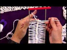 How to Make crochet HairPin Lace Crochet Geek - YouTube ༺✿ƬⱤღ  http://www.pinterest.com/teretegui/✿༻