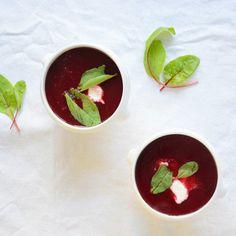 Beetroot soup Bieten soep
