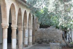 cloître du Monastère St. Barnabas