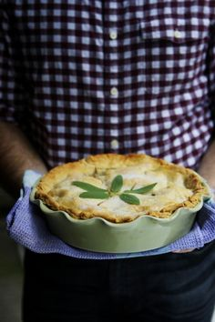 drooling over this sage and brown butter apple pie from @myfoodthoughts @Brian - A Thought For Food