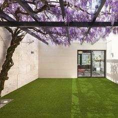 Sage Artificial Grass by Easy Lawn buy online from the rug seller uk Hammock Balcony, Indoor Balcony, Tiny Balcony, Balcony Doors, Indoor Outdoor, Outdoor Living, Balcony Ideas, Small Balcony Furniture, Artificial Grass Carpet