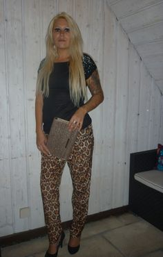 Night Style Hose HM 1995 Strass Shirt No Tabu 19,95 Clutch HM 9,95 Glitzer Pumps New Yorker 29,95