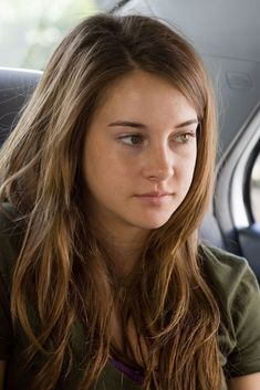 Shailene Woodley : l'ado rebelle devenue jeune femme sexy et militante ! Shailene Woodley, The Spectacular Now, The Fault In Our Stars, Hollywood Actresses, Role Models, Pretty People, Lany, Brown Hair, Hair Beauty